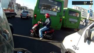 Опасный тип на скутере