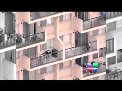Niño cae de un quinto piso, madre lo sigue detras