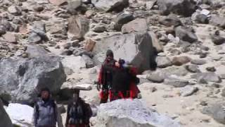 preview picture of video 'LOBUCHE EAST 2006  part 8'