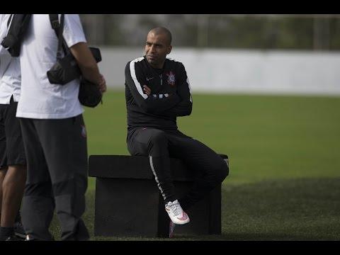 Emerson Sheik não terá seu contrato renovado, diz presidente do Corinthians