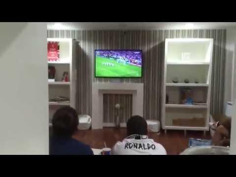 Phản ứng của fan Real trên khắp thế giới khi Ramos gỡ hòa phút cuối, nổi cả da gà