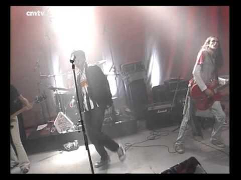Jóvenes Pordioseros video No la quiero dejar - Escenario Alternatvo 2005