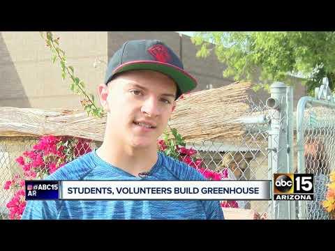 Valley students, volunteers build greenhouse