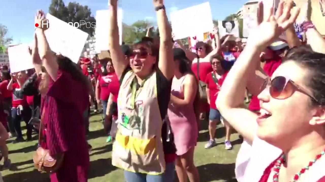 Mujeres protestaron en Los Ángeles y exigieron respeto a sus derechos
