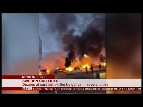 Youths Torch 80 Cars Across The South (Sweden) - BBC News - 15th August 2018