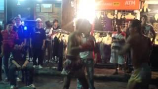Смотреть онлайн Жестокий уличный тайский бокс