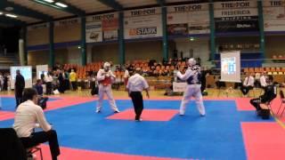 preview picture of video 'Begynder/Øvet Taekwondo Kamp - Fredericia - 25. januar 2014'