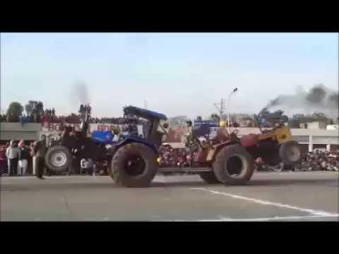 tractor tochan ||sonalika vs hmt 5911 || Amazing tractor tochan video 2017