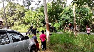 preview picture of video 'Geng superbike turun kg seterus sauk'