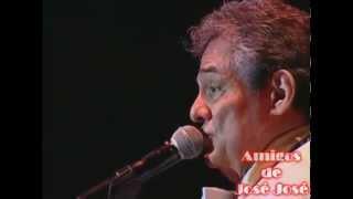"""""""El Triste"""" en vivo Perú 2013"""