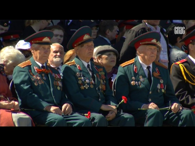 Святейший Патриарх Московский и всея Руси Кирилл посетил парад «Не прервется связь поколений» на Поклонной горе в Москве