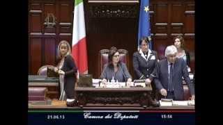 """Boldrini in Parlamento a Di Stefano : """"Non Si Avvicini con Fare Minaccioso!"""""""