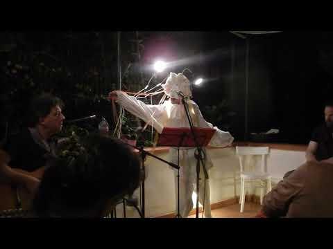 Preview video Pulcinella - una maschera tra gli specchi.