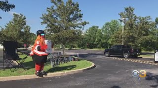 Gritty Welcomes Flyers To Training Camp