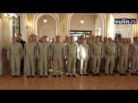 Ministar odbrane Aleksandar Vulin, u prisustvu načelnika Generalštaba Vojske Srbije generala Ljubiše Dikovića, uručio je danas na svečanosti u Domu Garde na Točideru, Vojne spomen medalje za izuzetan doprinos sistemu odbrane pripadnicima…