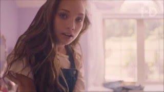 Abraham Mateo y Maddie Ziegler-  All the Girls (La La La)