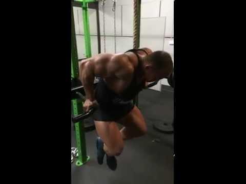 Ćwiczenia na mięśnie pleców wzdłuż kręgosłupa