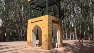 preview picture of video 'The mosque Idkha of Kashgar/ La mosquée Idkha of Kashgar (Xinjiang - China)'