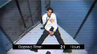 Смотреть онлайн Мужчина на 41 час застрял в лифте один