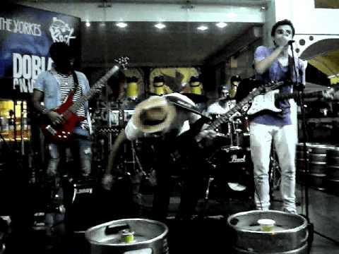 Toda La Noche - The Yorkes