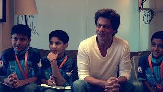 Shahrukh Khan with young cancer survivors in Mannat