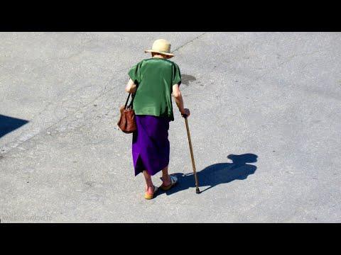 Получить доплату к пенсии за родственника теперь стало проще: новое решение Конституционного суда