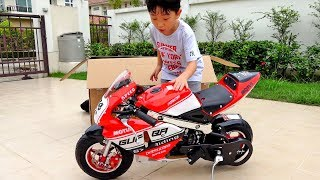예준이의 키즈 바이크 전동 자동차 장난감 슈퍼 바이크 오토바이 색깔놀이 Surprise Kids Bike Power Wheels Car Toy Video for Kids