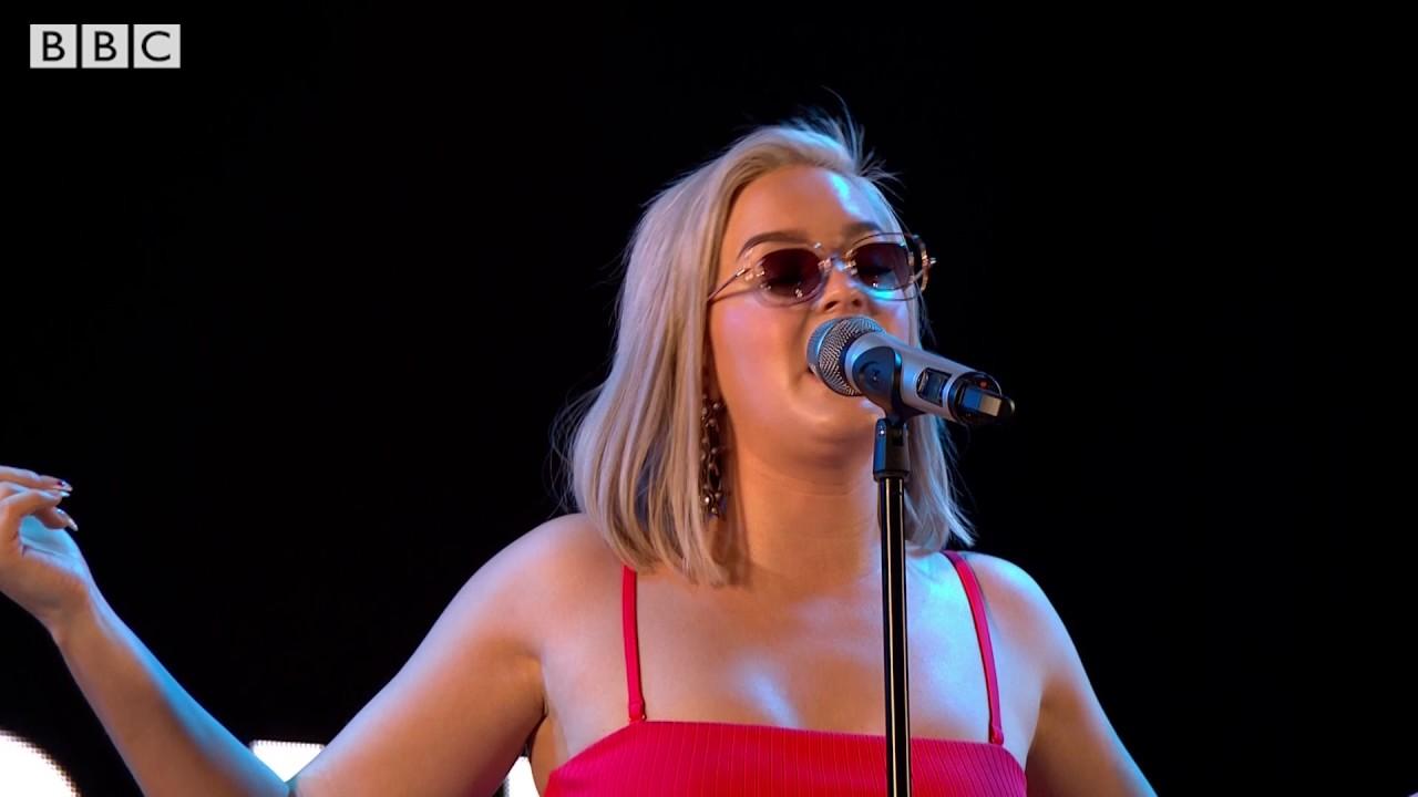 Anne Marie - Ciao Adios (Radio 1's Big Weekend 2017)
