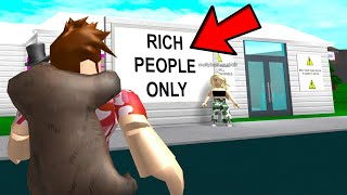 GOLD DIGGER Only Lets RICH PEOPLE In.. The Inside WILL SHOCK YOU! (Roblox)