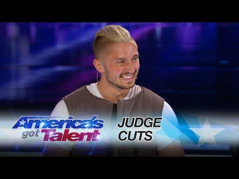 Tom London: Tech Savvy Magician Goes Around The World With Magic Trick - America's Got Talent 2017