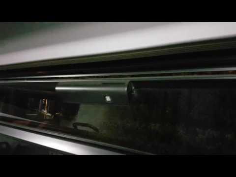 Neuer Solaris Urbino 18 E6 Klappfenster öffnen mit Vierkantschlüssel