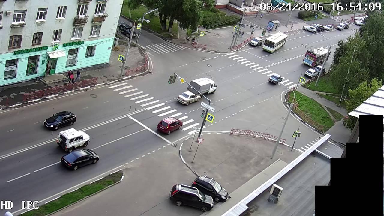 Несоблюдение дистанции в Ярославле