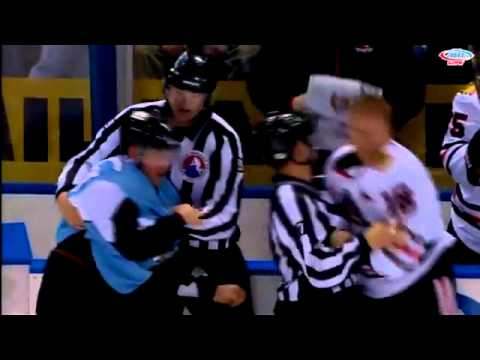 Cody Bass vs Richard Clune