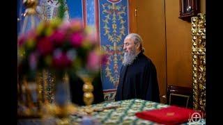 Предстоятель молился за вечерним богослужением в Академическом храме КДАиС