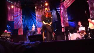 Alanis Morissette - Ironic (Live @ Agape, Culver City, CA, 8/7/2010)