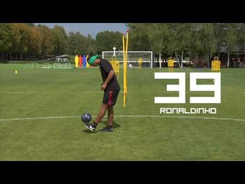 Ronaldinho bịt mắt tâng bóng - Đẳng cấp là đây