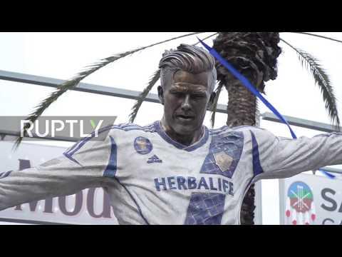 USA: LA Galaxy unveils David Beckham statue in Los Angeles (видео)