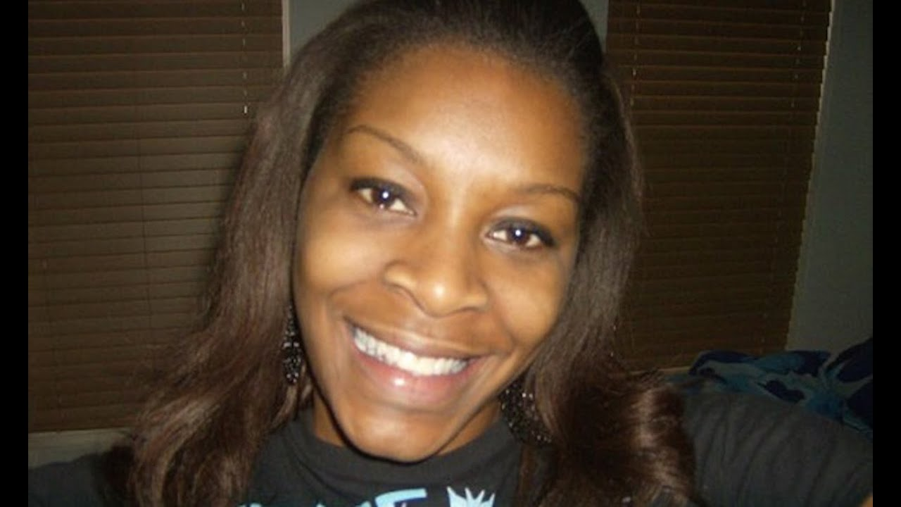 Fox News: Sandra Bland Could've Attacked Cop With Her Cigarette thumbnail
