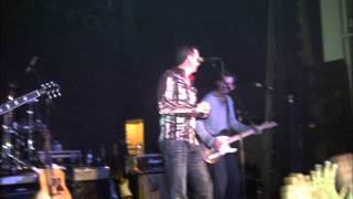 Far Too Jones - Blown Away (live)