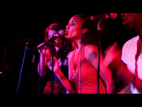 "DA' BONE PRESENTS: ERYKAH BADU TRIBUTE ""HONEY"" LIVE @ LA RESPUESTA"