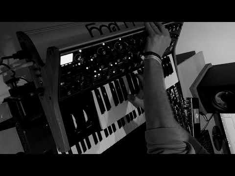 Deadmau5 - Suite 02 / Camilla (Plexis Cover)