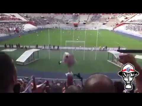 """LA BANDA DEL BASURERO CENTRO DEPORTIVO MUNICIPAL VS PAVOS"" Barra: La Banda del Basurero • Club: Deportivo Municipal"