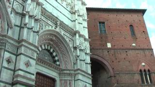 preview picture of video 'Siena Baptistry (Tuscany Italy) Sienne Baptistère  锡耶纳洗礼  Baptisterio de Siena  シエナ洗礼堂'