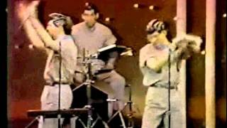 Devo Jerkin Back n Forth with interview