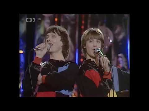 Stanislav Hložek a Petr Kotvald - Holky z naší školky (1983)