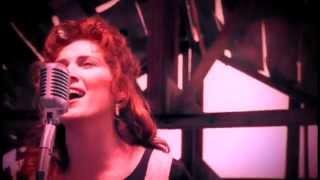 Jo Dee Messina – Heads Carolina, Tails California (Official Music Video)