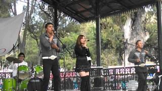 preview picture of video 'Grupo COMPLICADO - Asesina De Amor (EN VIVO)'