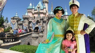 Disneyland Trip Meeting Princess Jasmine Aladdin Belle and the Beast