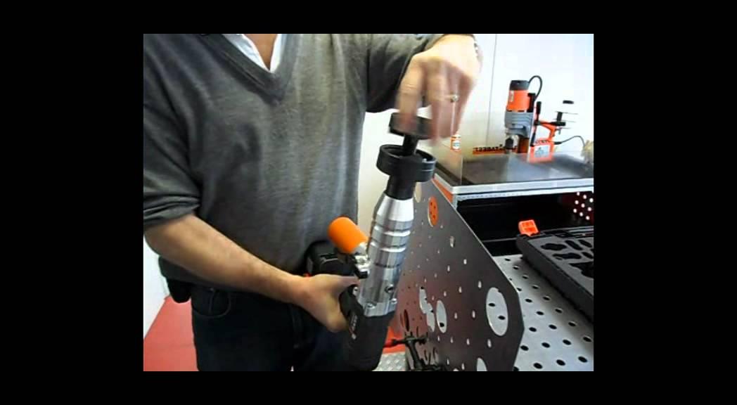 Видео: Хидравлична преса с акумулаторна батерия на Alfra