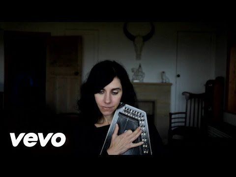 YouTube video: PJ Harvey: The Words that Maketh Murder
